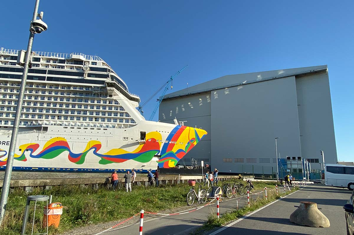 Meyer-Werft: Hupkonzerte, Romantiker und Billigarbeitern (24.01.2021)